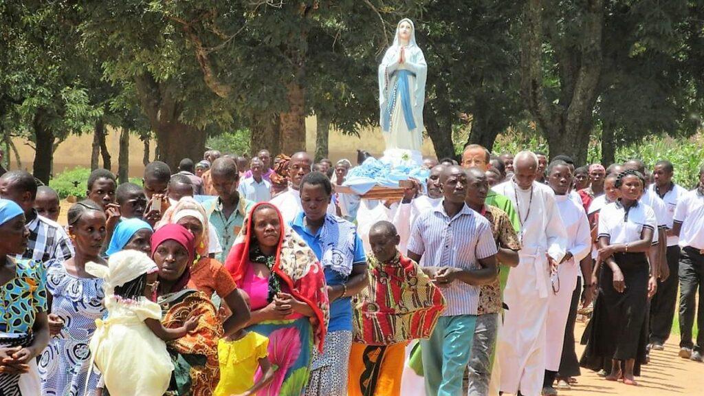 احتفال بعيد مريم العذراء سيدة لورد شفيعة ارساليتنا في تنزانيا
