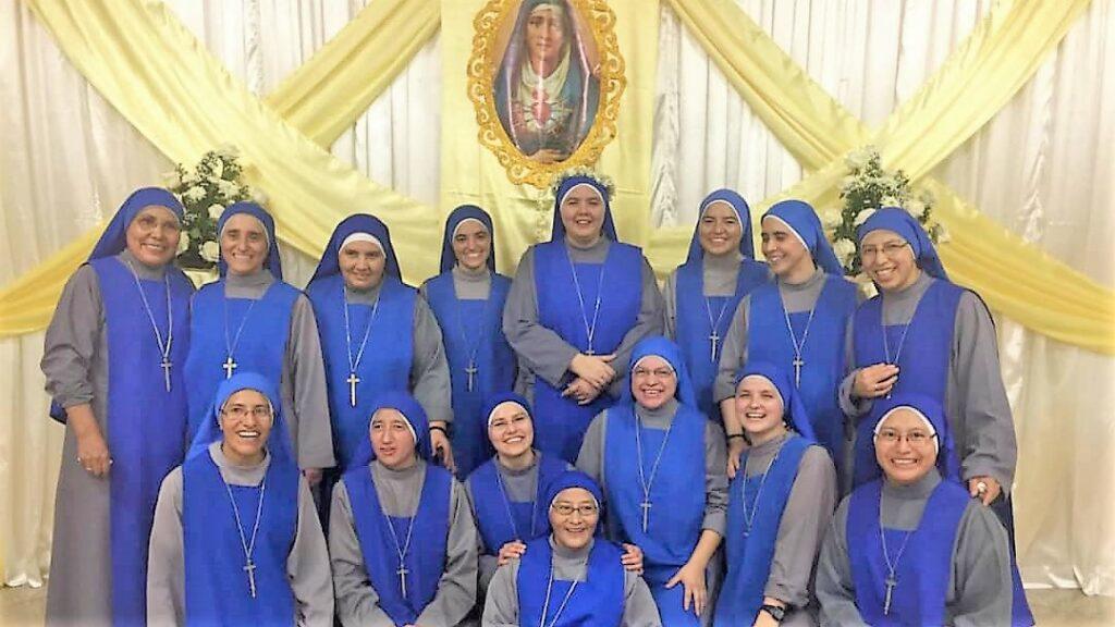 الاخت دولوريس مرسلة في حلب : تُعلن نذورها الدائمة