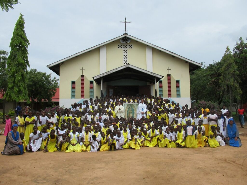 مخيم ل 450 فتاة في تنزانيا