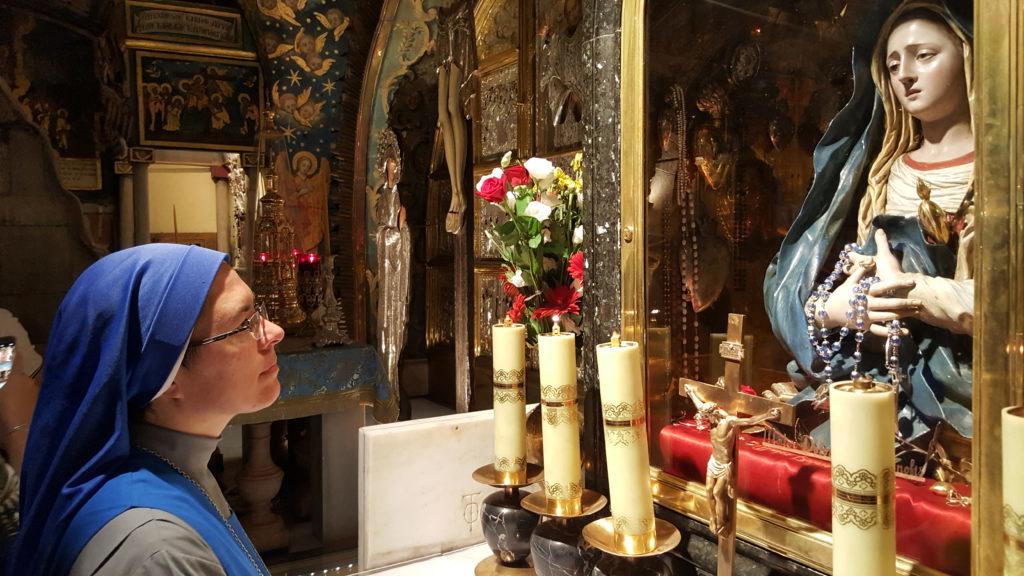 عيد مريم العذراء ام الاوجاع في الارض المقدسة
