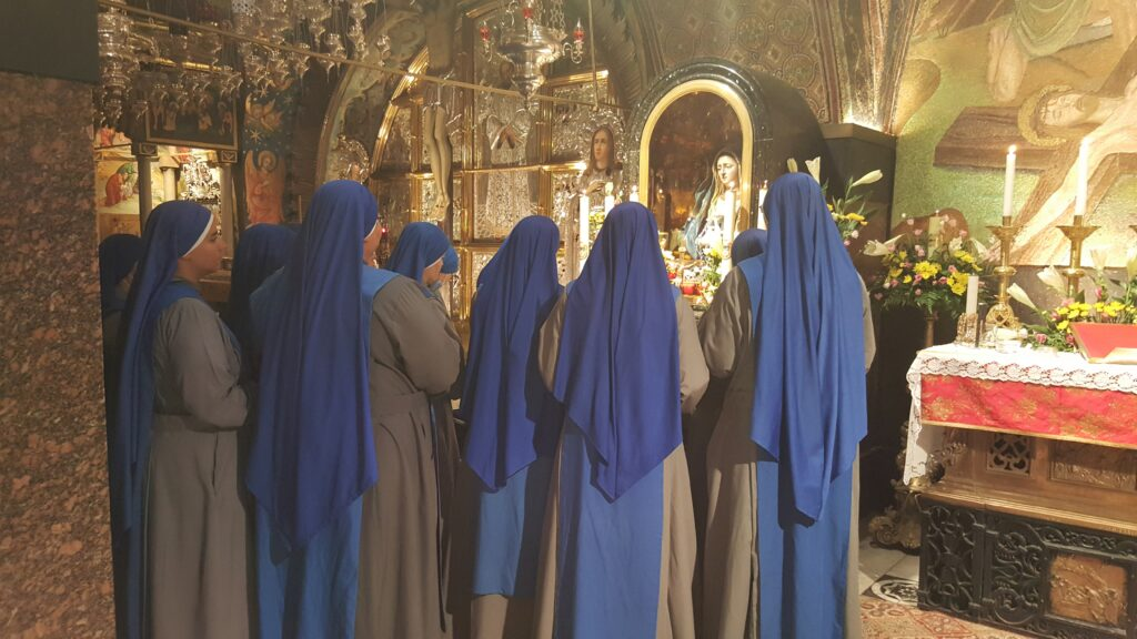 Lee más sobre el artículo XXVº aniversario de fundación del Instituto de las Servidoras del Señor y de la Virgen de Matará en Tierra Santa